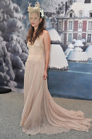 Tatiana was the picture of elegance in this nude chiffon gown.