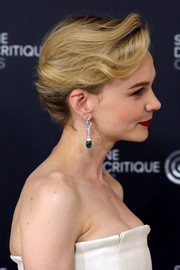Carey Mulligan looked simply elegant wearing this French twist at the Cannes Film Festival photocall for 'Wildlife.'