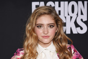 Willow Shields Long Wavy Cut