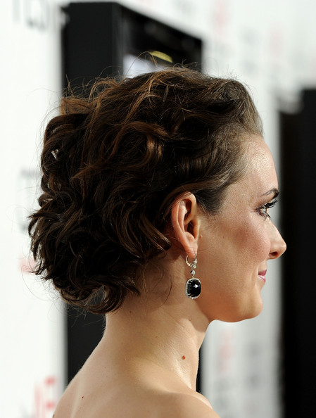 Winona Ryder Pinned Up Ringlets [black swan,hair,face,hairstyle,chin,eyebrow,chignon,beauty,shoulder,forehead,black hair,winona ryder,grauman,hair detail,chinese theatre,audi,red carpet,afi fest 2010,closing night gala,night gala]