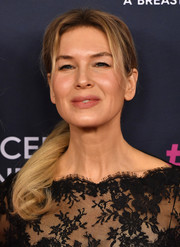 Renee Zellweger wore her hair in a youthful ponytail at the 2020 Unforgettable Evening Gala.