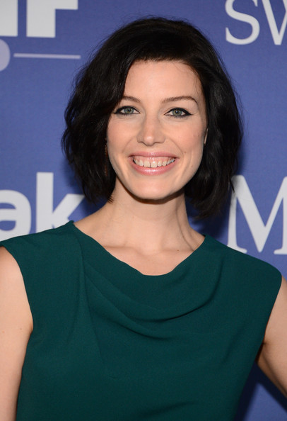 More Pics of Jessica Pare Nude Lipstick (1 of 20) - Jessica Pare Lookbook - StyleBistro