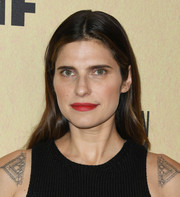 Lake Bell kept it super simple with this loose center-parted style at the 2019 Women in Film Gala.