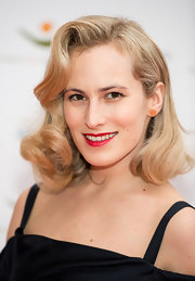 Charlette Dellal wore her hair in sexy smooth glamour girl curls at the Women for Women International Gala.