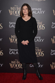 Colleen Atwood opted for a simple black sweater dress when she attended the 'Into the Woods' premiere.