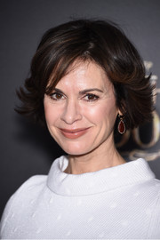 Elizabeth Vargas looked charming with her retro-style layered razor cut at the 'Into the Woods' premiere.