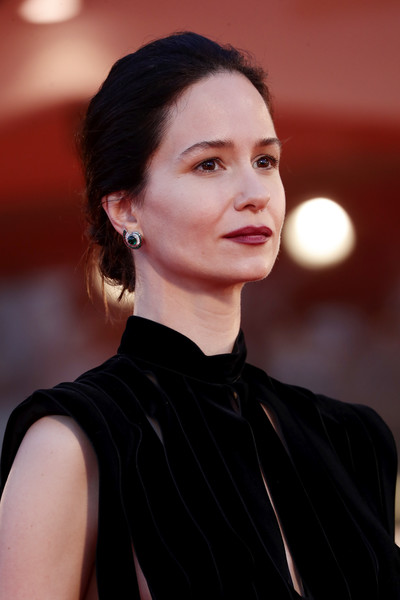 Katherine Waterston kept it simple with this chignon at the Venice Film Festival screening of 'The World to Come.'