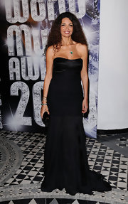 Once again Afef Jnifen wowed the crowd in a timeless black strapless dress at the World Music Awards 2010.