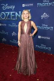 Kristen Bell flashed some skin in a mauve keyhole-cutout gown by Dior at the world premiere of 'Frozen 2.'