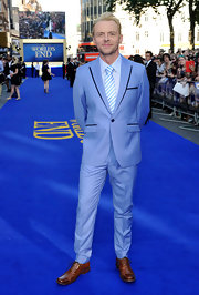 Simon Pegg opted for a light, powder blue suit with black trim for the premiere of 'The World's End' in London.