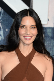 Olivia Munn topped off her look with this loose center-parted 'do when she attended the 'X-Men: Apocalypse' global fan screening.