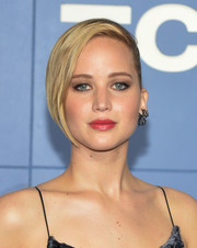 Jennifer Lawrence wore her short hair with one side slicked back during the 'X-Men' world premiere.