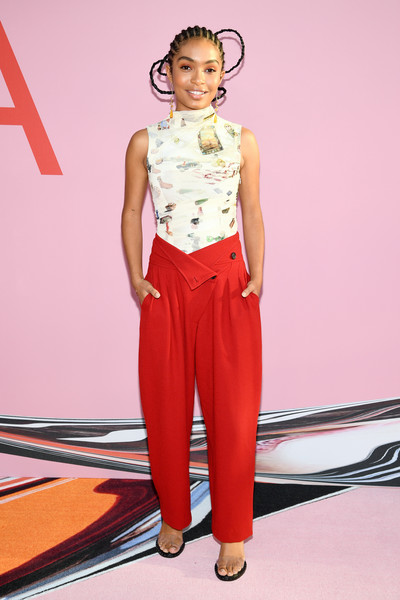 Yara Shahidi Print Blouse [clothing,fashion model,fashion,red,waist,fashion show,runway,fashion design,leg,crop top,arrivals,yara shahidi,cfda fashion awards,brooklyn museum of art,new york city]