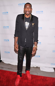 Amare Stoudemire attended the 'A Year in a New York Minute' photo exhibit wearing a leather-collared blazer.