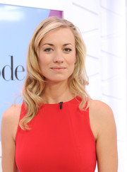 Yvonne Strahovski wore perfectly styled waves during her appearance on Amazon's 'Style Code Live.'