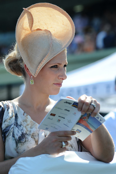 Zara Phillips Fascinator [hat,fashion,sun hat,headgear,human,summer,blond,fashion accessory,vacation,ear,magic millions raceday,gold coast turf club,australia,celebrities,zara phillips]