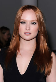 Kaylee Defer wore her fiery locks long and sleek at the Zero + Maria Cornejo fall 2012 fashion show.