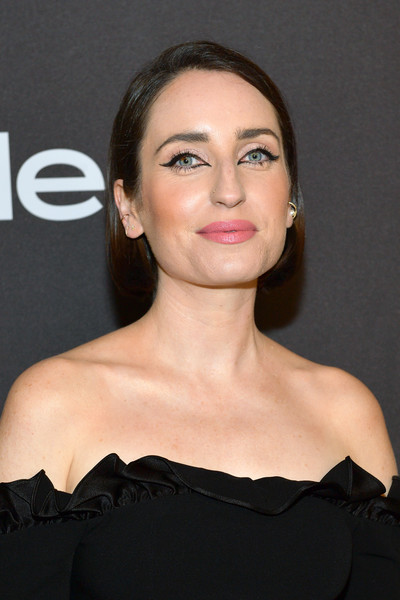 Zoe Lister Jones Bob [hair,face,shoulder,hairstyle,eyebrow,chin,lip,beauty,skin,cheek,zoe lister-jones,beverly hills,california,the beverly hilton hotel,instyle,red carpet,warner bros. 76th annual golden globe awards,warner bros. 76th annual golden globe awards post-party]
