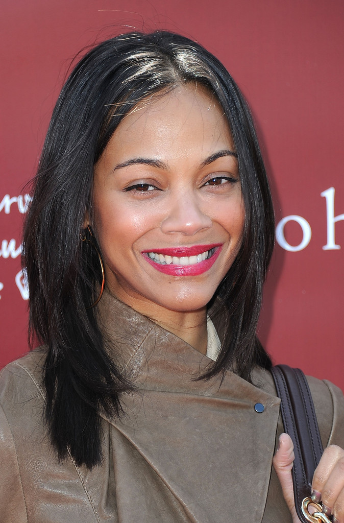 Zoe Saldana Medium Straight Cut Shoulder Length