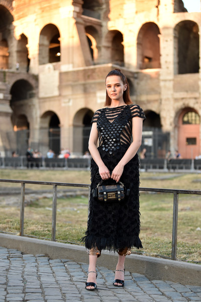 Zoey Deutch Printed Purse [clothing,photograph,street fashion,dress,lady,fashion,beauty,little black dress,snapshot,fashion model,zoey deutch,cocktail,rome,italy,fendi couture fall winter 2019]