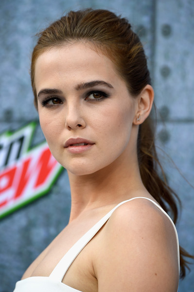 Zoey Deutch Smoky Eyes [hair,face,hairstyle,eyebrow,lip,beauty,skin,chin,forehead,model,arrivals,zoey deutch,guys choice,culver city,california,spike tv,sony pictures studios]