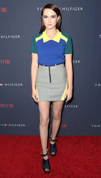 Zoey Deutch Polo Shirt [clothing,fashion model,fashion,yellow,footwear,leg,waist,carpet,electric blue,fashion design,capsule collection,zooey deschanel,zoey deutch,tommy hilfiger,west hollywood,california,the london hotel,debut new capsule collection]