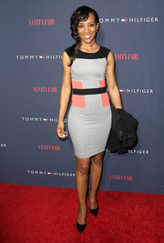 Shaun Robinson chose a simple tricolor sheath dress for the Zooey Deschanel and Tommy Hilfiger collection debut.