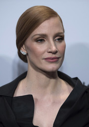 Jessica Chastain paired gold eyeshadow with subtle pink lipstick for the Washington, D.C. screening of 'The Zookeeper's Wife.'