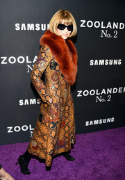 Anna Wintour made an appearance at the 'Zoolander No. 2' world premiere looking gangster-glam in a fur-trimmed snakeskin coat.