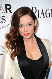 Rose McGowan wore a pair of gunmetal vintage filigrees and Swarovski crystal earrings at amfAR's Inspiration gala.
