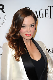 Rose McGowan wore her lovely long curls swept to the side at amfAr's Inspiration Gala.