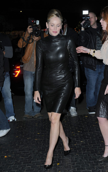 Sharon Stone wore pointy toe black heels with a leather turtleneck dress. Sharon's classic shoes didn't compete for attention with her traffic stopping dress.