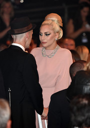 Even from afar, Lady Gaga's Harry Winston diamond collar necklace looked absolutely stunning!