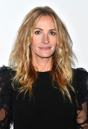 Julia Roberts was rocker-glam with her teased hairstyle at the amfAR Gala in Los Angeles.