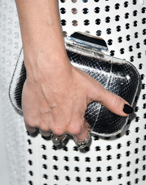 More Pics of Kate Hudson Boy Cut (1 of 12) - Kate Hudson Lookbook - StyleBistro [hand,nail,design,finger,material property,pattern,fashion accessory,metal,silver,arrivals,kate hudson,ron burkle,purse detail,amfar gala,los angeles,beverly hills,california,green acres estate,amfar]
