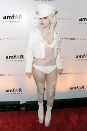 Lady Gaga showed off her amazing figure in white underwear and a matching bra.
