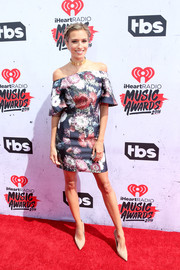 Renee Bargh was cute and ladylike in a floral off-the-shoulder dress by Keepsake at the iHeartRadio Music Awards.