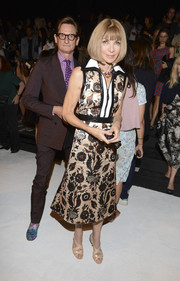 Anna Wintour looked effortlessly stylish in a floral shirtdress during the rag & bone fashion show.