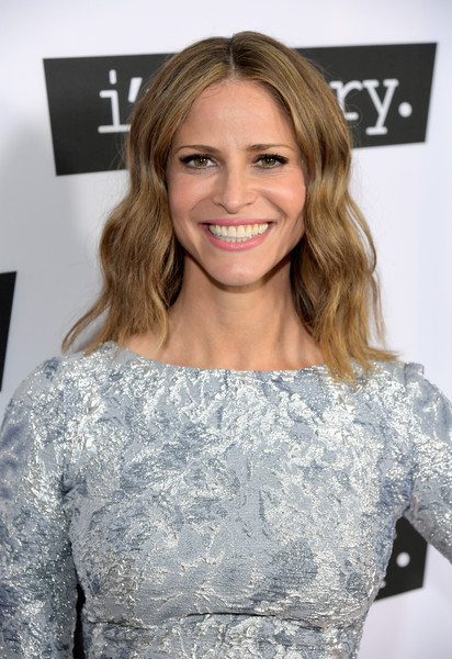 Andrea Savage sported billowy center-parted waves at the premiere of 'I'm Sorry.'