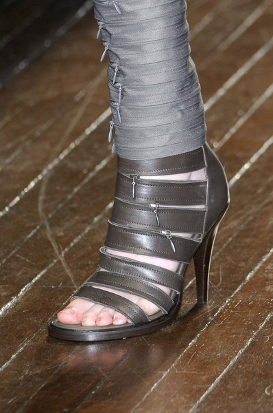 A.F. Vandevorst at Paris Spring 2011 (Details)
