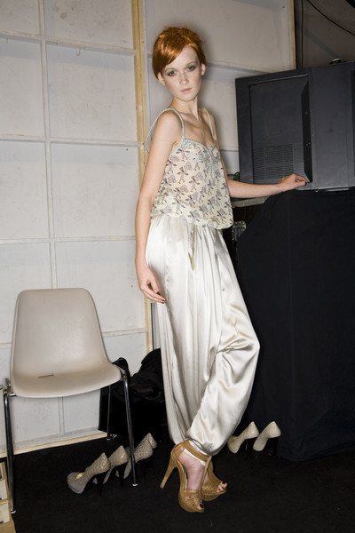 Akmadullina at Paris Spring 2009 (Backstage)