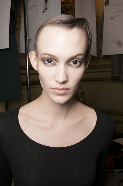 Amaya Arzuaga Fall 2013 - Backstage