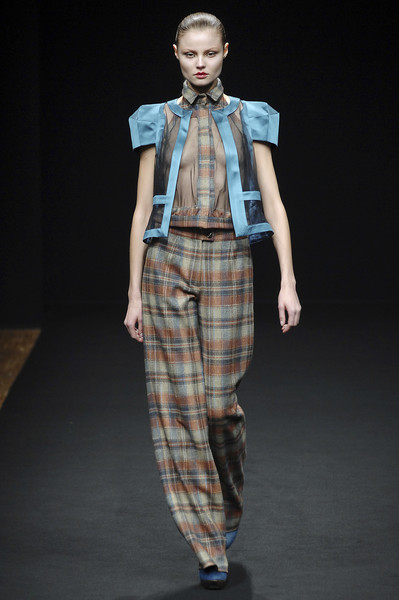 Anne Valérie Hash at Paris Fall 2008