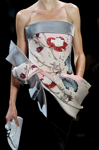 Armani Privé at Couture Fall 2011 (Details)