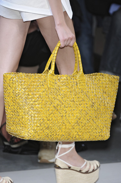 Bottega Veneta at Milan Spring 2010 (Details)