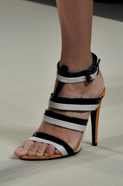 Bottega Veneta at Milan Spring 2012 (Details)
