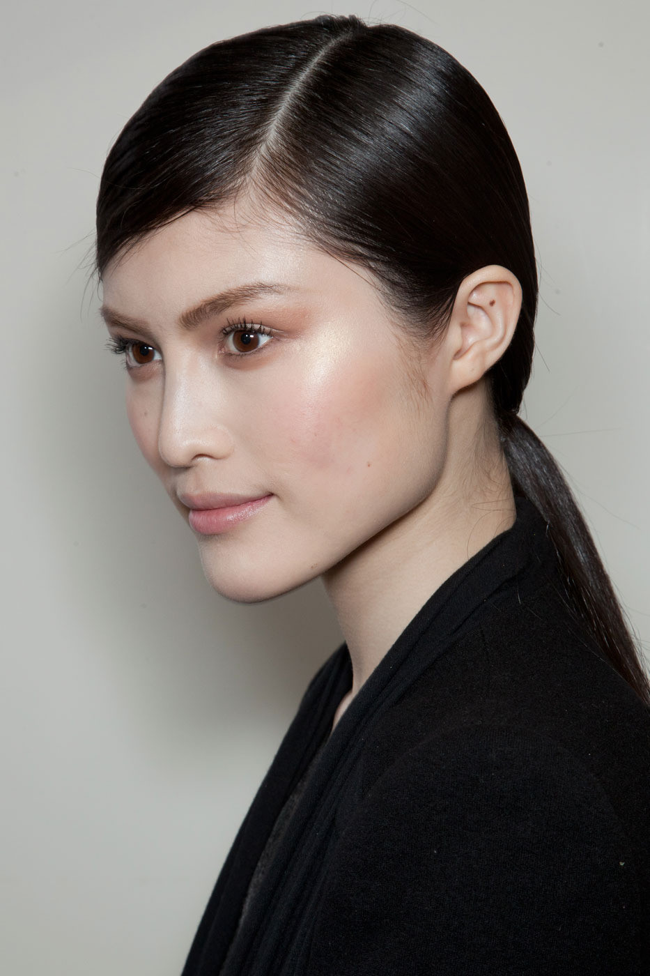Christian Dior S Sleek Parted Ponytail Late Summer