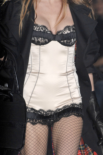 Dsquared² at Milan Fall 2008 (Details)