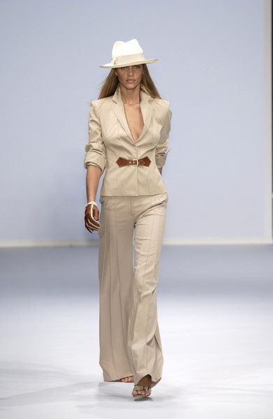 Erreuno at Milan Spring 2003