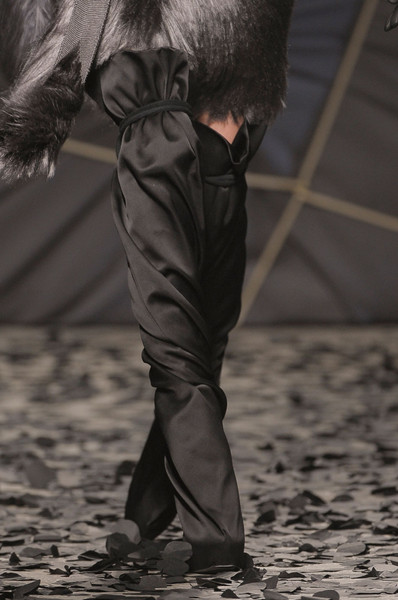 Gareth Pugh at Paris Fall 2012 (Details)